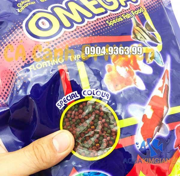 Thức ăn OMEGA hỗ trợ lên màu tốt cho cá cảnh